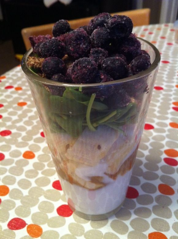 milk+almond butter+banana+spinach+ground flax+frozen blueberries ...