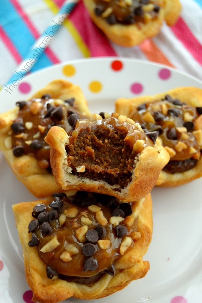 Skinny Snickers Brownie Bites | Sweet Squares & Circles | Pinterest