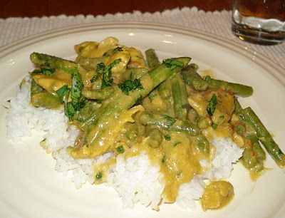 chicken and green beans in peanut sauce | Yum! | Pinterest