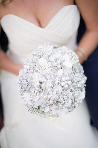 WOW! @Noaki Jewelry. Jeweled Bouquet