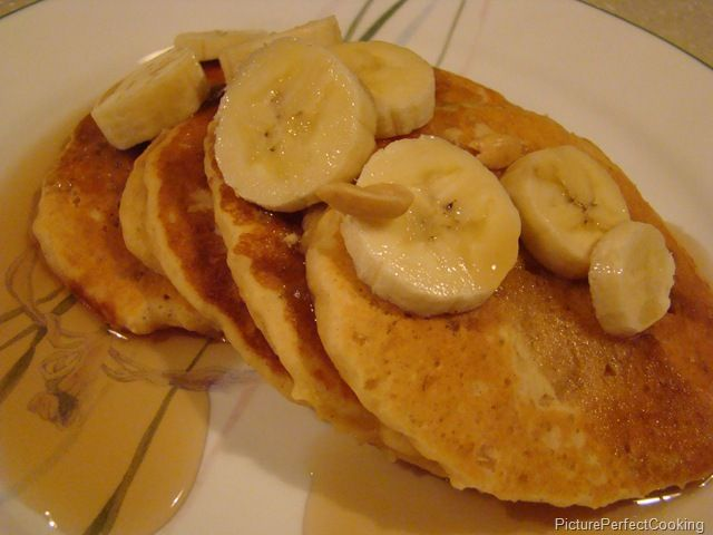 Peanut Butter Pancakes | Foods that look yummy | Pinterest
