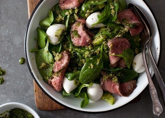 Steak & Quinoa Salad with Chimichurri Dressing - www.freshdish.com