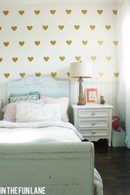 Gold heart wall decals for Shire's room <---wall opposite of her bed. From inthefunlane.conm