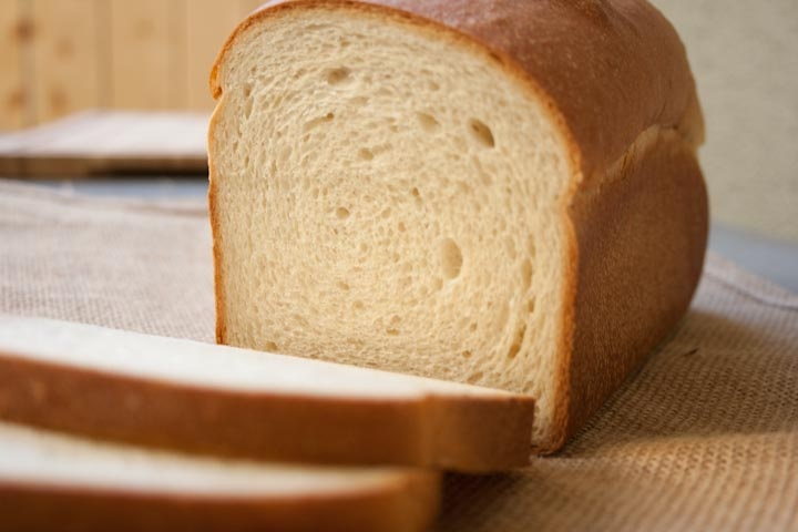 Basic White Sandwich Bread - great for making the prefect PB&!