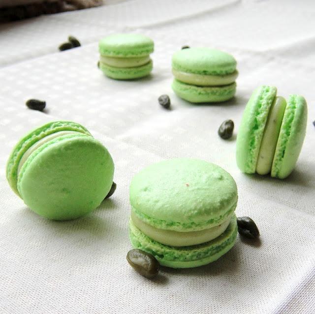 Pistachio Macarons | Macarons | Pinterest
