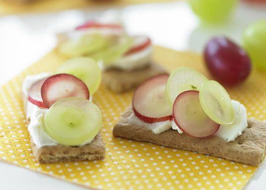 Graham Cracker Grape Sandwiches | FOOD: GRAPES~BIBLICAL FOOD | Pinter ...