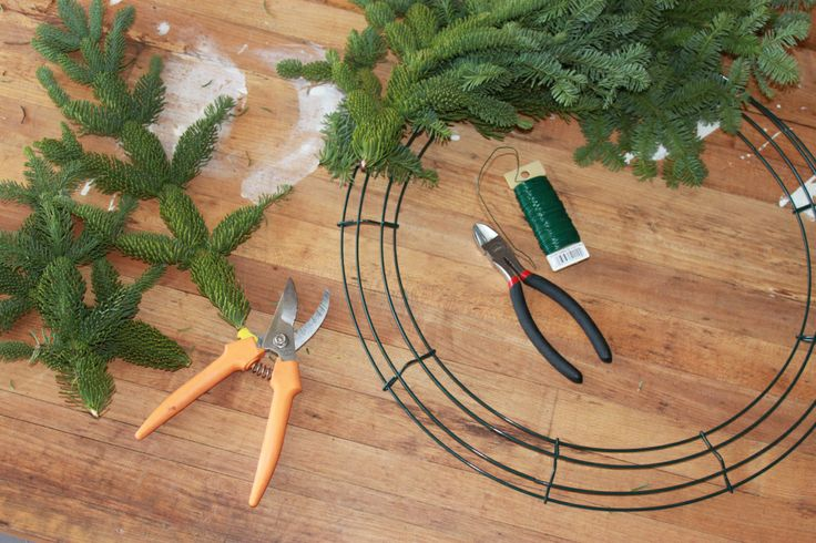 Make Your Own Fresh Wreath Christmas Wreaths Door