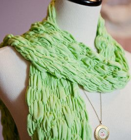It's an easy-sew, fabric-dyed bubble scarf - perfect for fall! Instructions @Jo-Ann Stores #sewing #dye