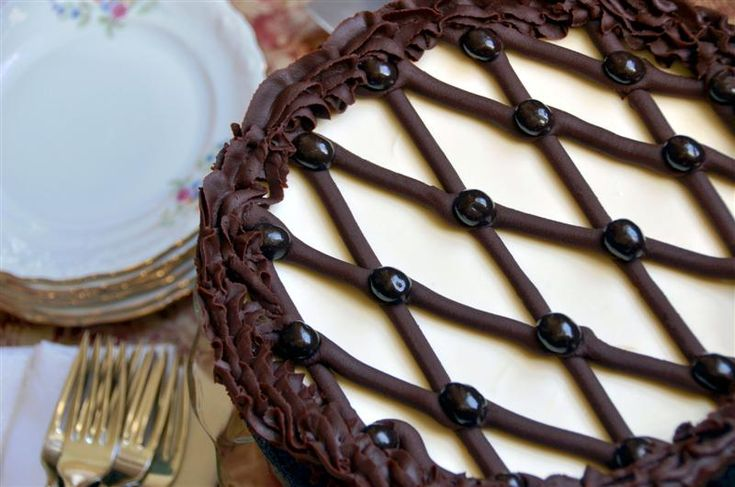 Cappuccino-Fudge Cheesecake | Cheesecake Heaven! | Pinterest