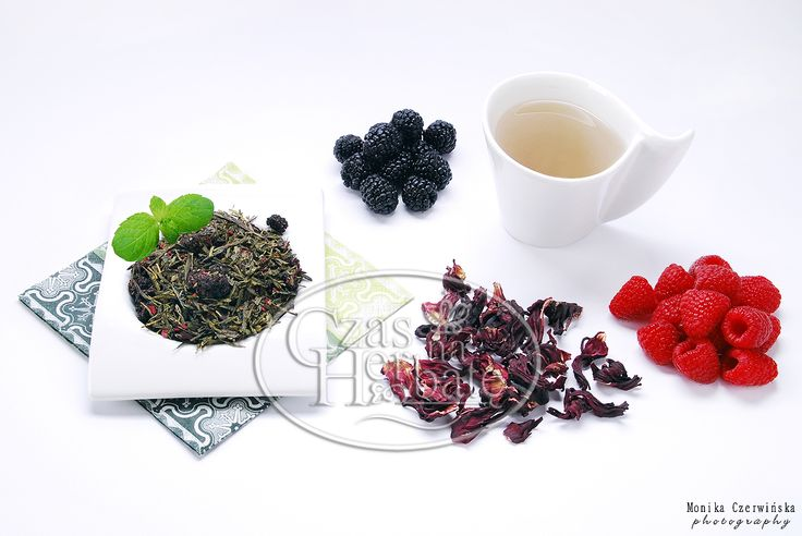 RED PASSION. Sencha green tea with a raspberry, cherry, blackberry, hibiscus and aroma.