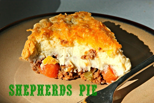 Cheddar-Topped Shepherd's Pie | food | Pinterest