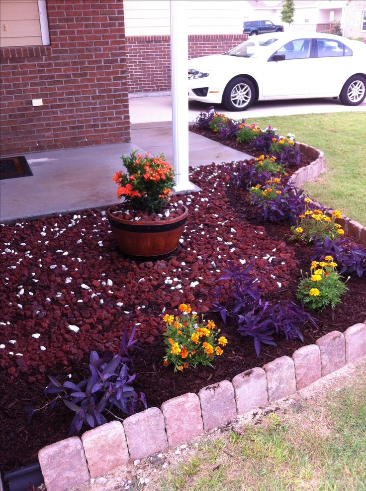 Small flower bed idea for the home pinterest for Small garden bed ideas