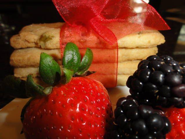 Lemon-Pistachio Shortbread Cookies   Frankies Elegant Gourmet   Pinte ...