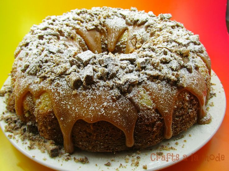 Apple Spice Cake with Cream Cheese Swirl Filling and Rich Caramel ...