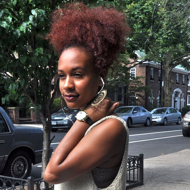 http://naturalhairsalonfinder.com/ to find a stylist for your natural hair.