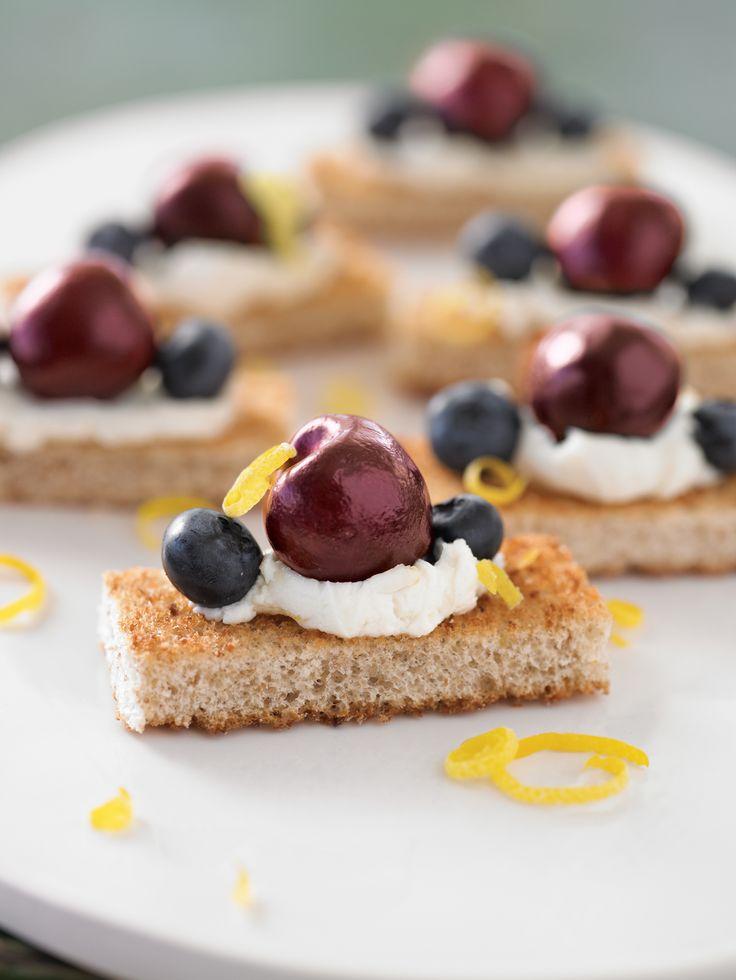 Cherry and Blueberry Whole Grain Cheesecake Bites #recipe