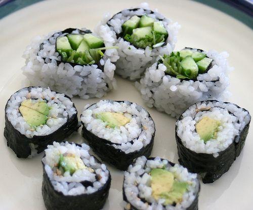 cucumber avocado sushi rolls