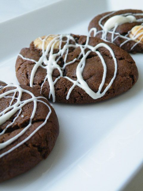 White Chocolate Chunk Cookies | Biscuits / Galettes / Cookies | Pinte ...