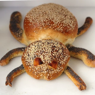 Cookistry's Spider Bread ... just the thing for Halloween!!!!