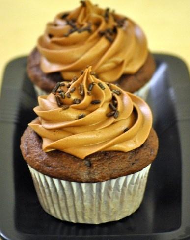 Chocolate Cream-Filled Cupcakes! | Cupcakes | Pinterest