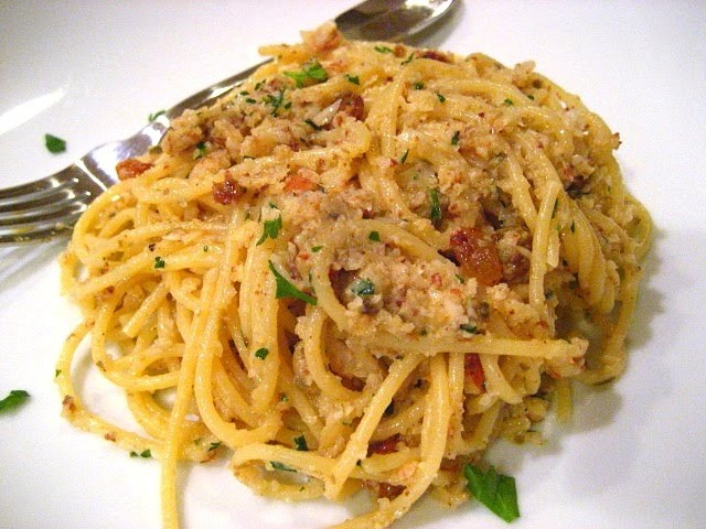 Roasted Red Pepper Pesto Pasta With Kalamata Olives And ...