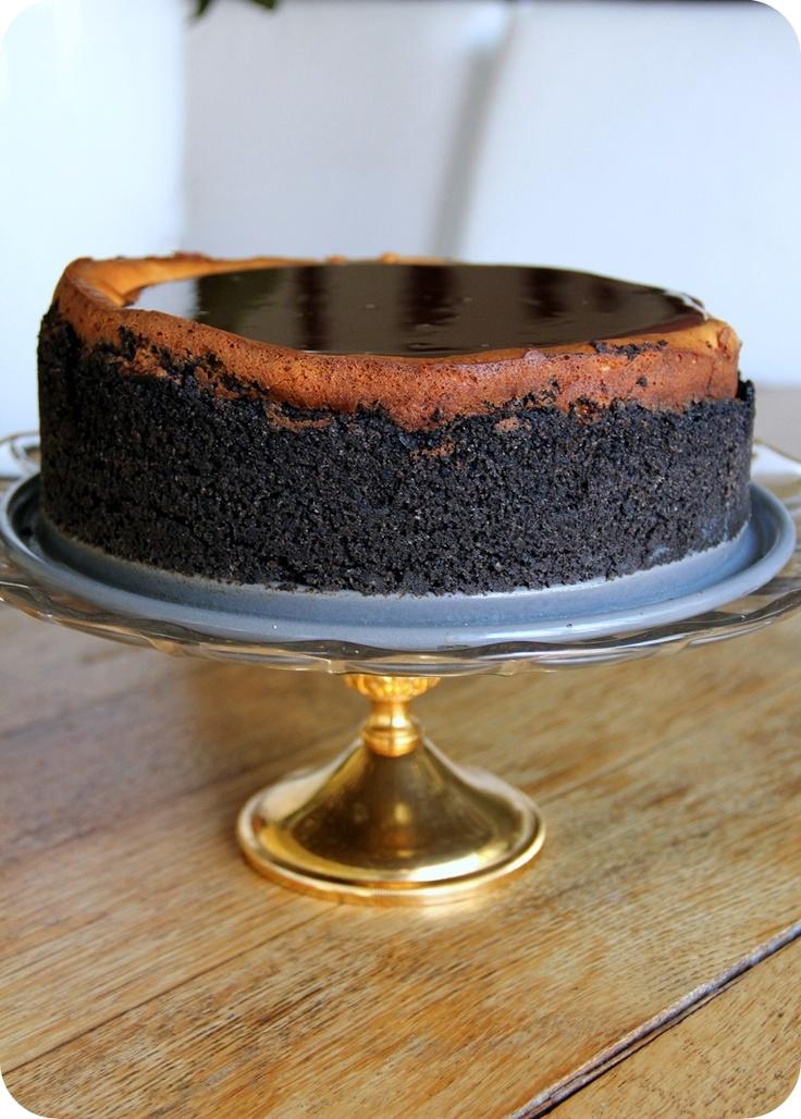 brownie mosaic cheesecake w/ oreo crust. srsly, you need this.