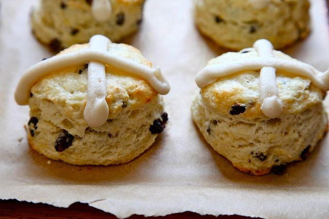 Hot Cross Biscuits (with currants, lemon zest, and... a cream cheese ...