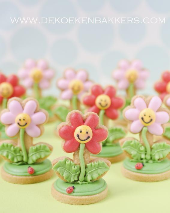 flower power | Cookies on a stick | Pinterest