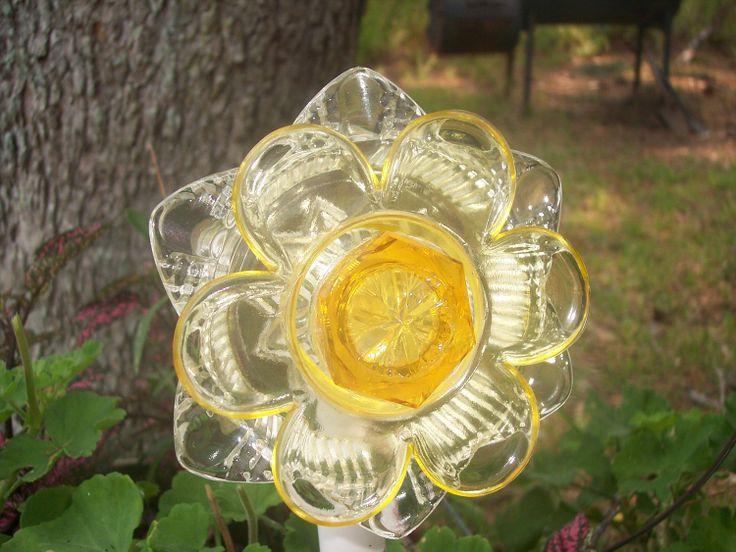 Recycled garden yard art glass flower sunshine for Recycled glass art