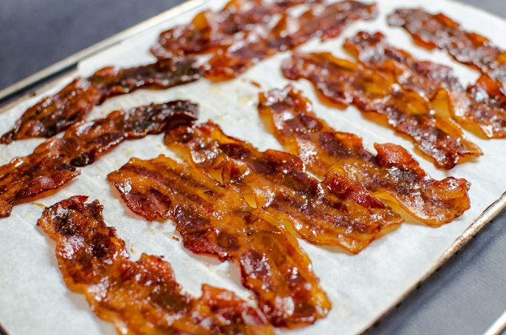 Oooo ... BACON!!! Spicy Candied Bacon - simple and easy.