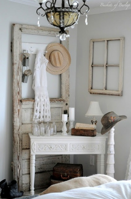 Old door and window decorating ideas pinterest for Idea for old doors