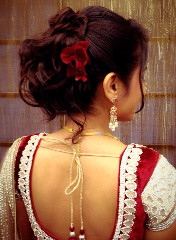 Traditional South Indian Brideu0026#39;s Bridal Reception Hairstyle. Indian Wedding Photography ...