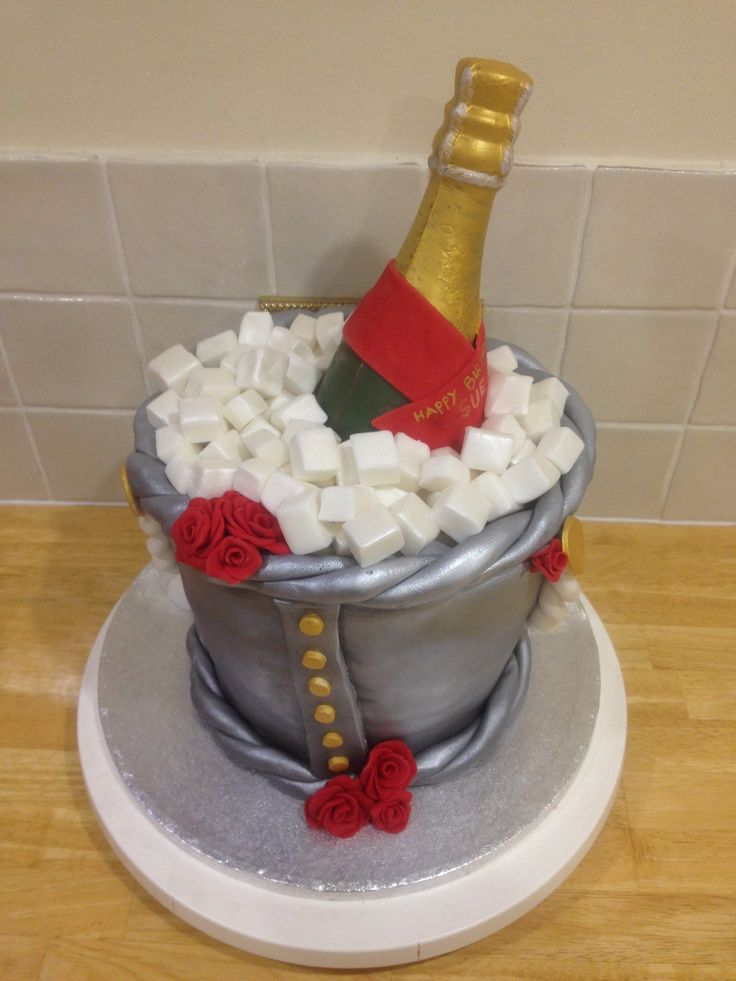 Images Of Birthday Cake And Champagne : Champagne birthday cake Cute cakes Pinterest