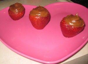 Filled Chocolate Strawberries (Chocolate & Cream Cheese)
