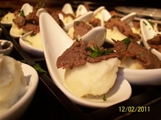 Wasabi-Garlic Mashed Potato with Shaved 5-Spice Flank Steak Spoons