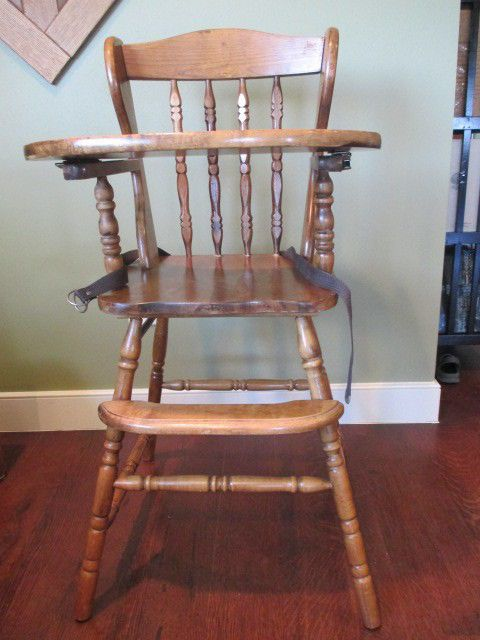 vintage wooden high chair w tray. Black Bedroom Furniture Sets. Home Design Ideas