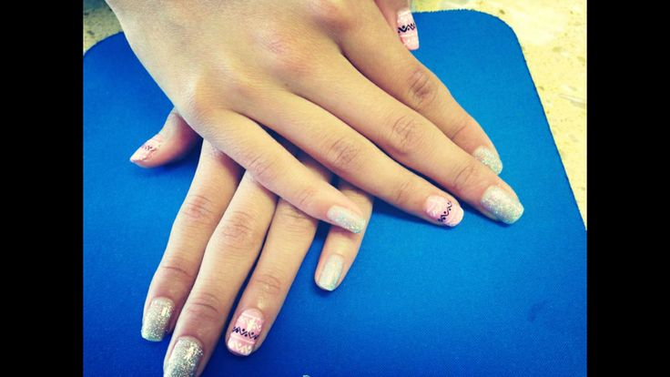 Zig zag nails design | Zig zag nails design | Pinterest
