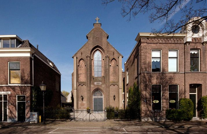 Converted church home pinterest - Homes in old churches ...