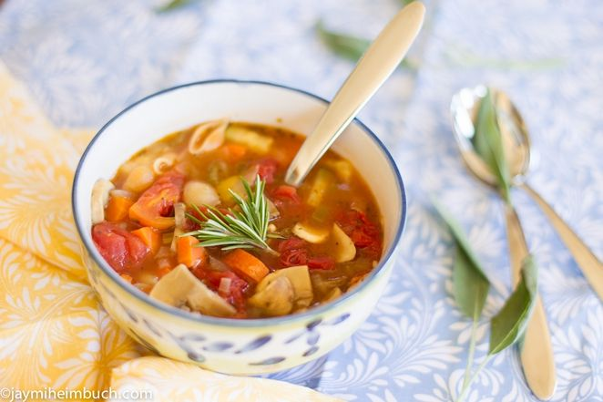 Hearty vegetable soup with pasta shells