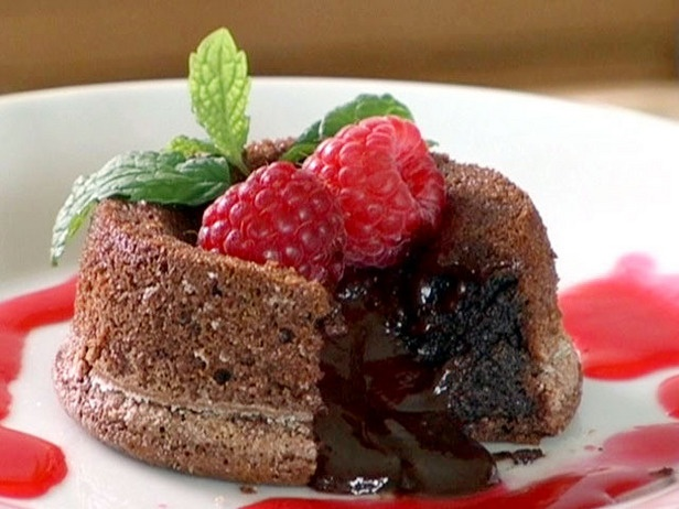 ... cake s molten chocolate cake s with raspberries molten chocolate cake