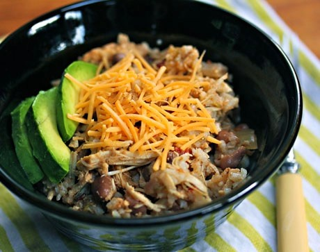 Slow Cooker Chicken and Pinto Bean Burrito Bowls are great any time of ...