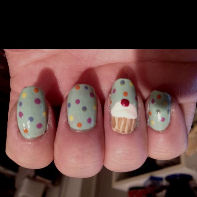 Cupcake confetti nails