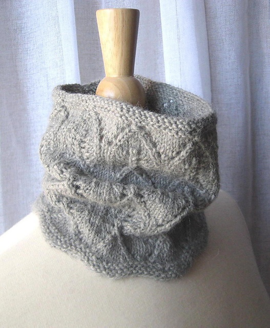Knit Lace Cowl Pattern : lacy cowl, free on ravelry knitting Pinterest