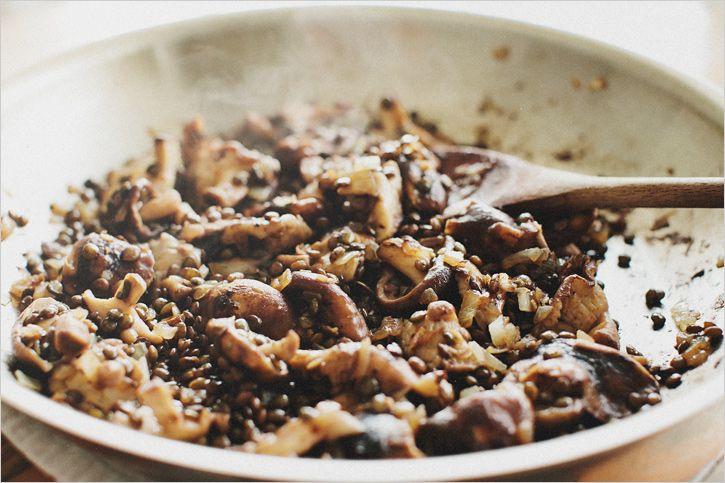SHITAKE MUSHROOM + LENTIL ASIAN TACOS // Serves 2 (about 6 tacos)