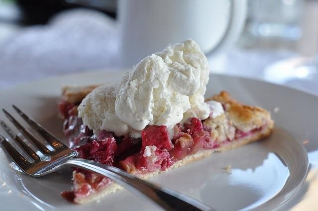 Rustic Rhubarb Tart - mmmmm! | Yummies | Pinterest