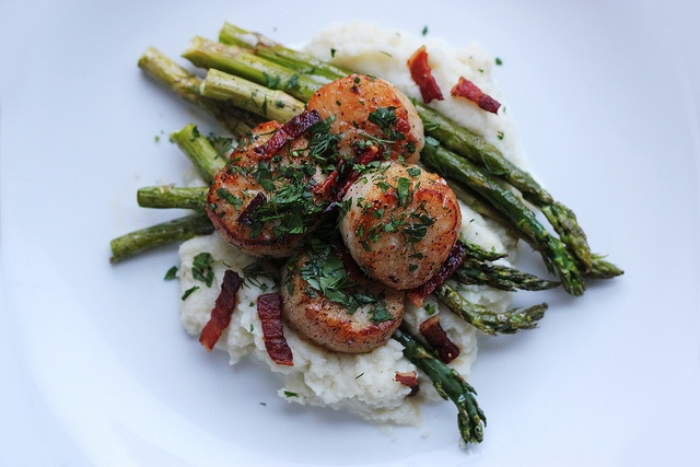 scallops with asparagus and cauliflower puree - by ...