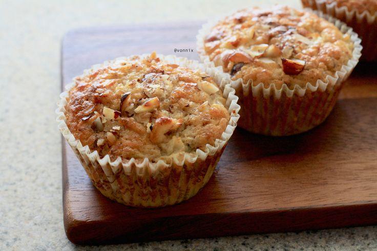 Pear hazelnut protein muffin