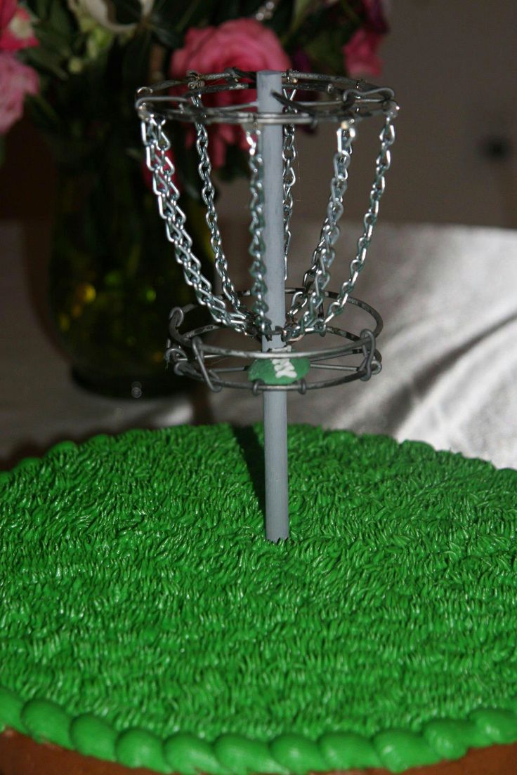 disc golf groom's cake