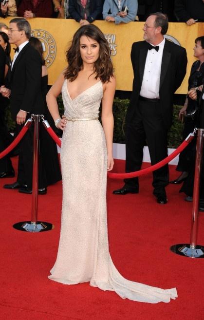 Love. This. Love the dress, love the hair, love the fact she still ...