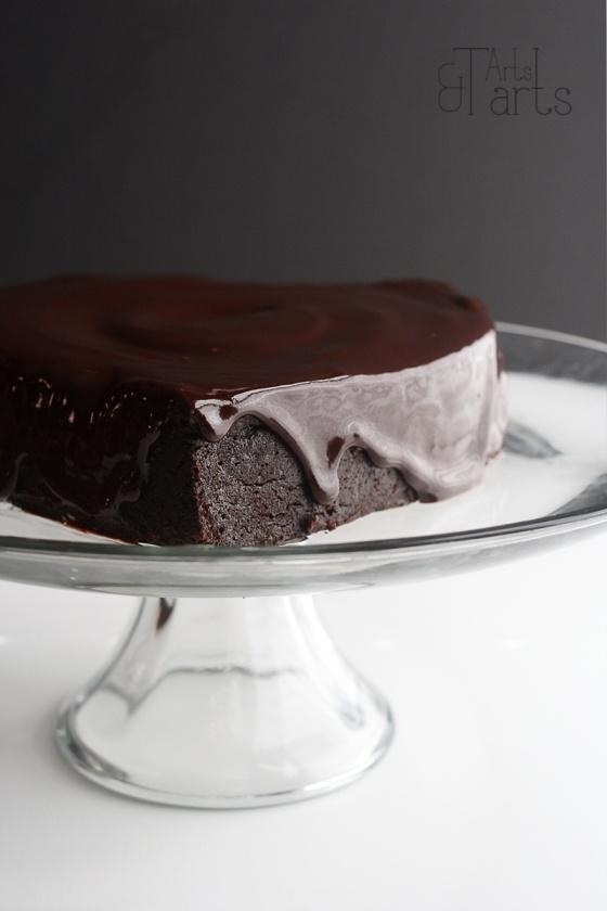 Flourless Chocolate Cake with Chocolate Glaze and Berry Coulis ~ via ...